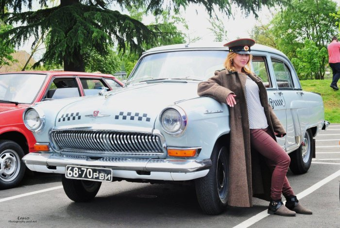 Выставка старых отечественных автомобилей в США (15 фото)