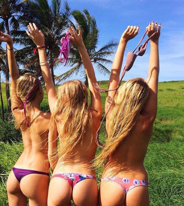 Девушки без лифчиков (40 фото)