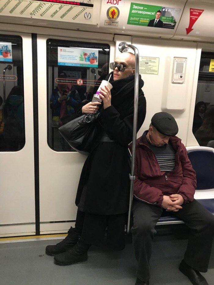 песня, картинка людей в метро можете заказать