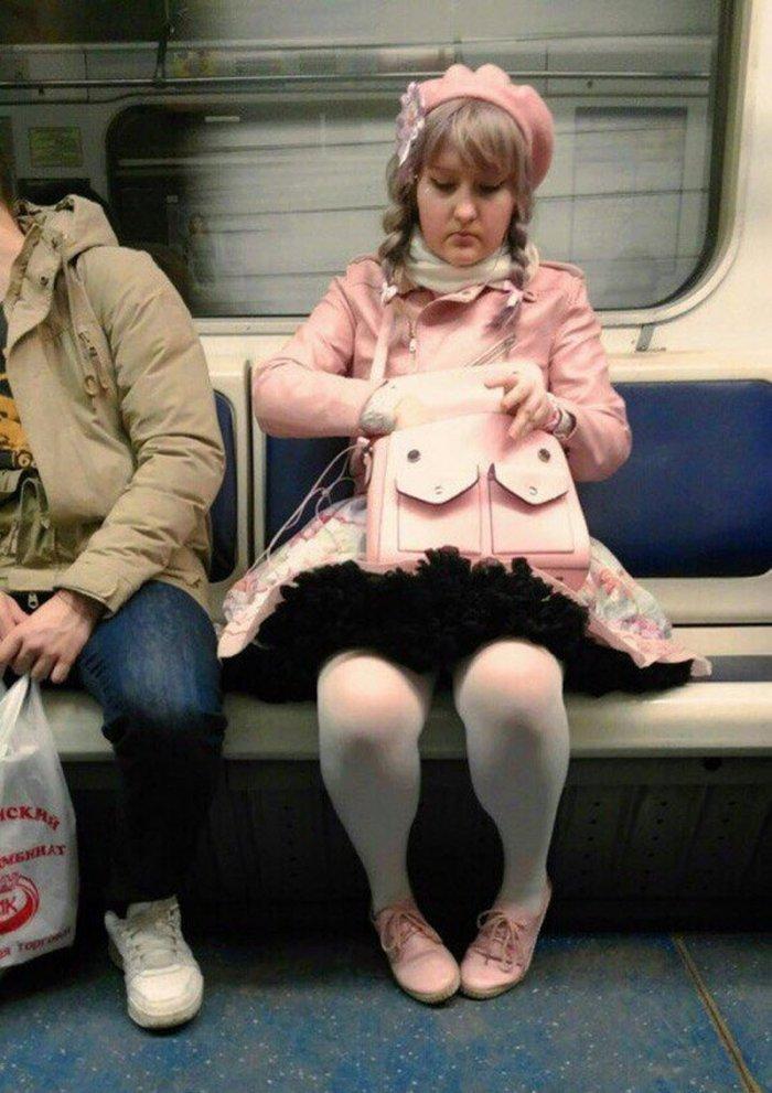 компании чудаки в метро фото этими выражениями понимаются