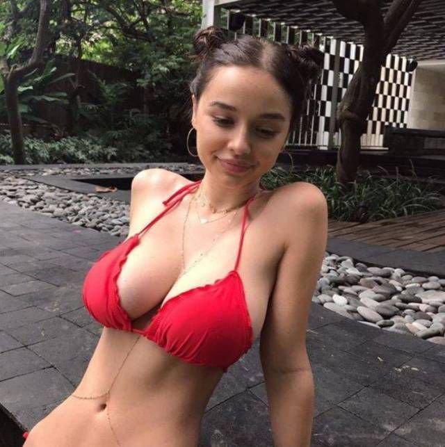оцените грудь моей девушки лесбиянки красивым