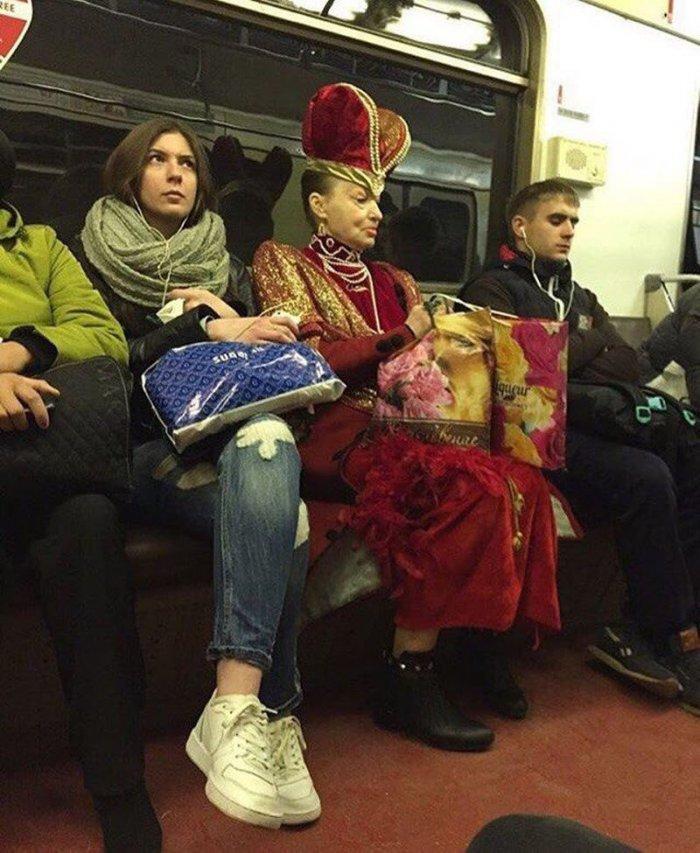 Написать открытки, веселые картинки в метро