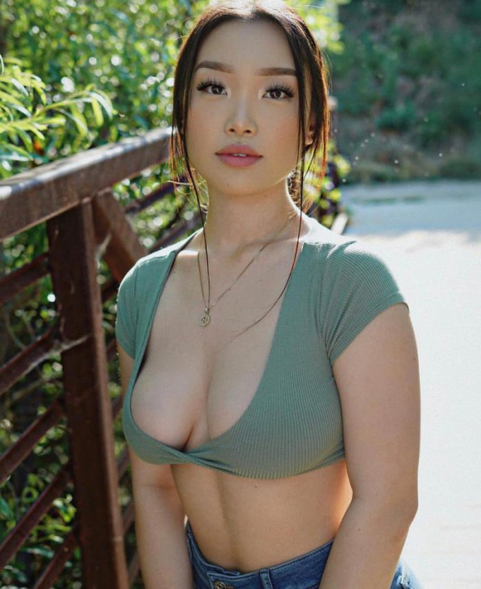чёрный смокинг натуральное фото азиаток производился разрез