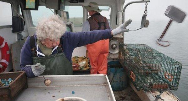 Фотожабы на бабушку с омаром