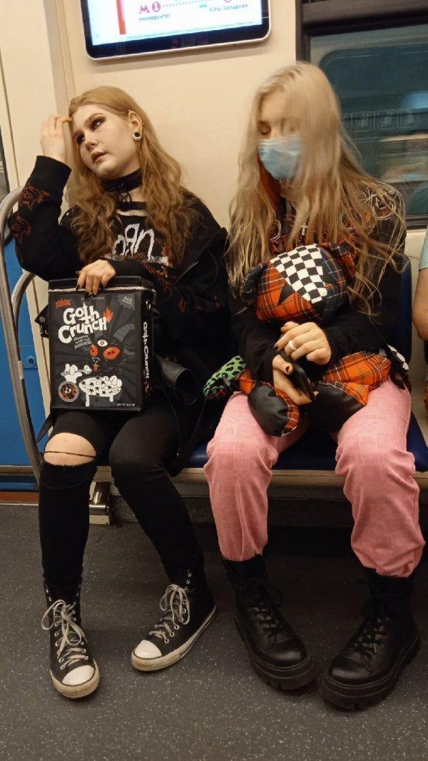 Стиляги в метро (14/09/2021)