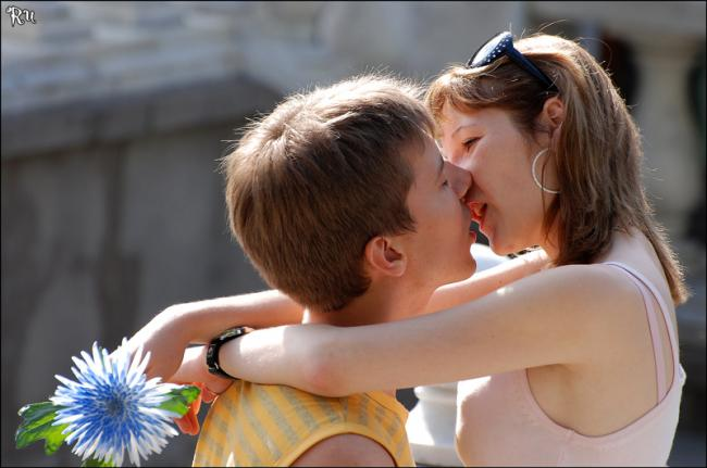 'Поцелуи
