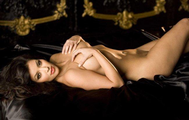 Ким Кардашиан (17 фото)