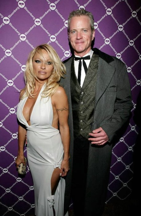 Pamela Anderson (10 фото)