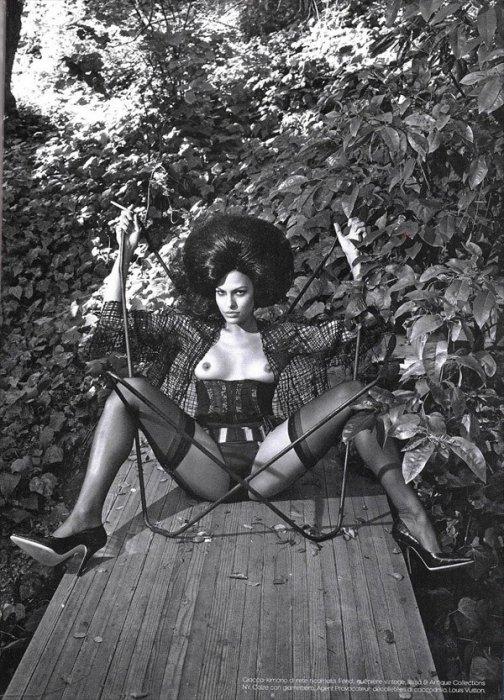 Ева Мендес топлесс (16 фото)