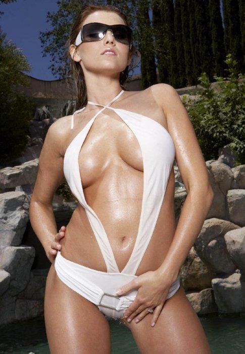 Carli Banks в бикини (6 фото)