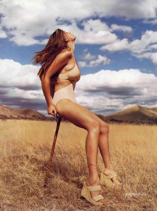 Летиция Каста (15 фото)