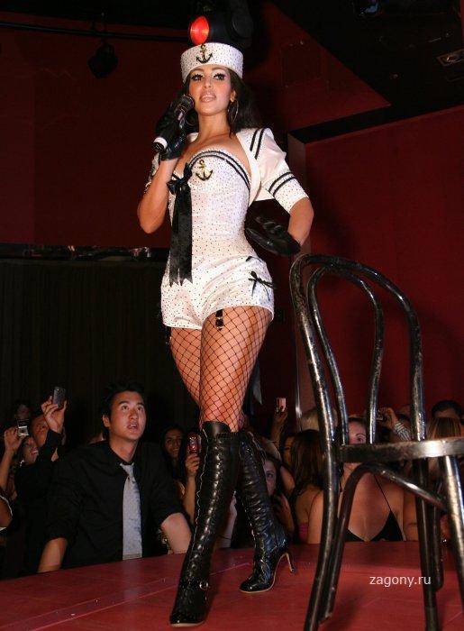 Kim Kardashian (8 фото)