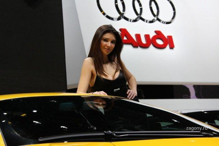 Девушки автосалона в Женеве (28 фото)