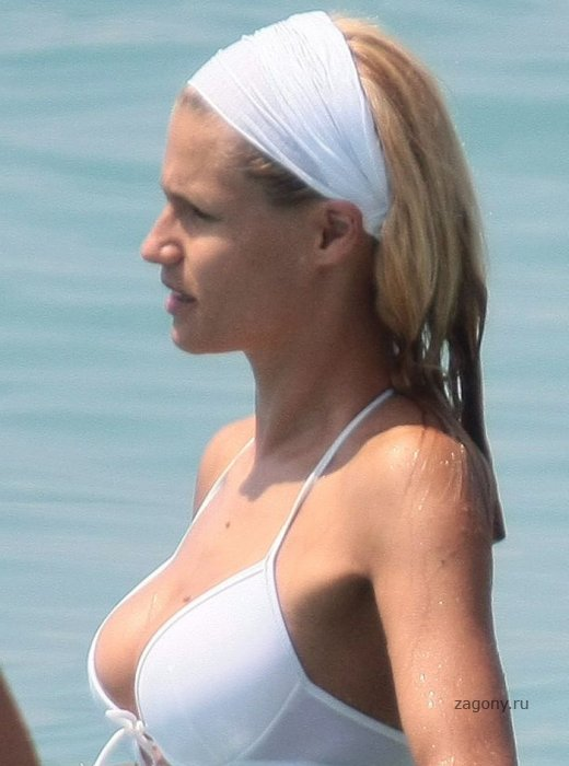 Michelle Hunziker (9 фото)