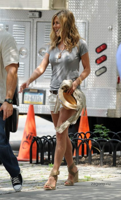 Jennifer Aniston (17 фото)
