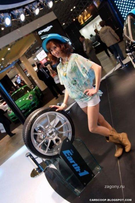 Девушки с Токийского автосалона (20 фото)