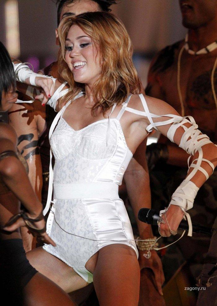 Miley Cyrus (12 фото)