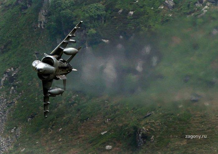 Авиа полеты на малой высоте (10 фото)