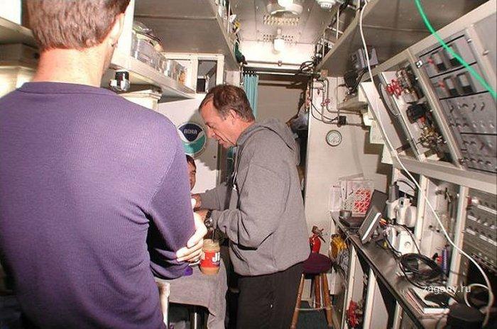Обитаемая подводная лаборатория Водолей (12 фото)