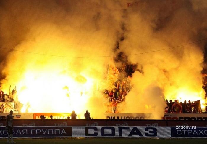 Фанаты «Спартака» устроили огненное шоу (29 фото)