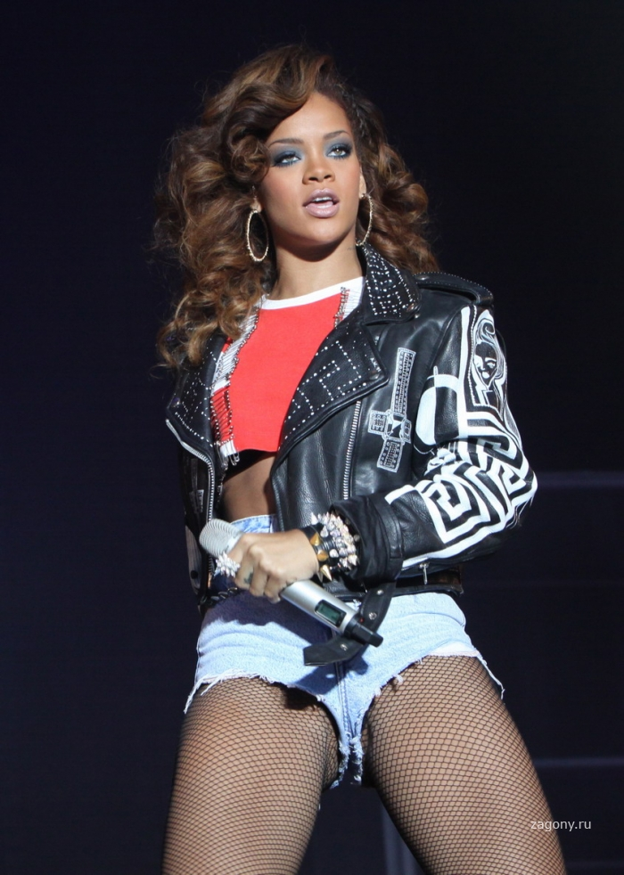 Rihanna (6 фото)