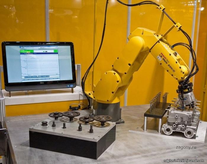 Выставка роботов (30 фото)