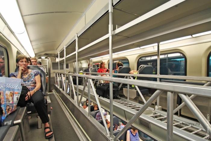 Пригородные поезда в Америке (22 фото)