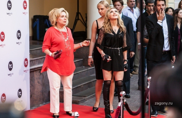 Мадонна в Москве Церемония открытия фитнес-клуба Hard Candy (10 фото)