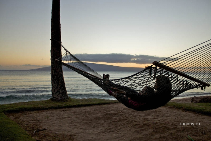 25 мест идеальных для того, чтобы полежать в гамаке (25 фото)