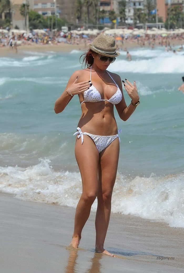 Amy Childs (14 фото)