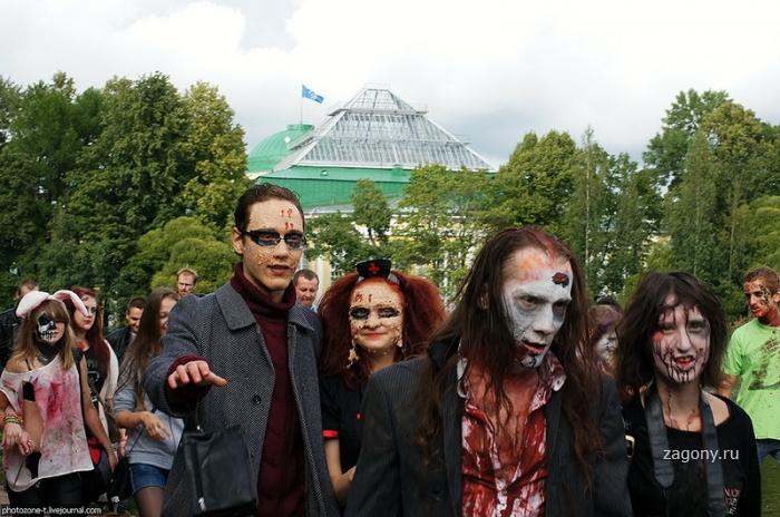 Зомбимоб в Петербурге (24 фото)