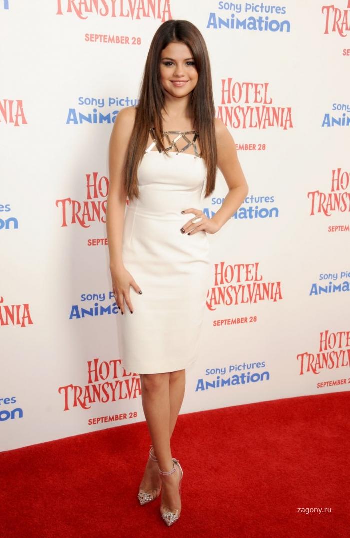 Selena Gomez (9 фото)