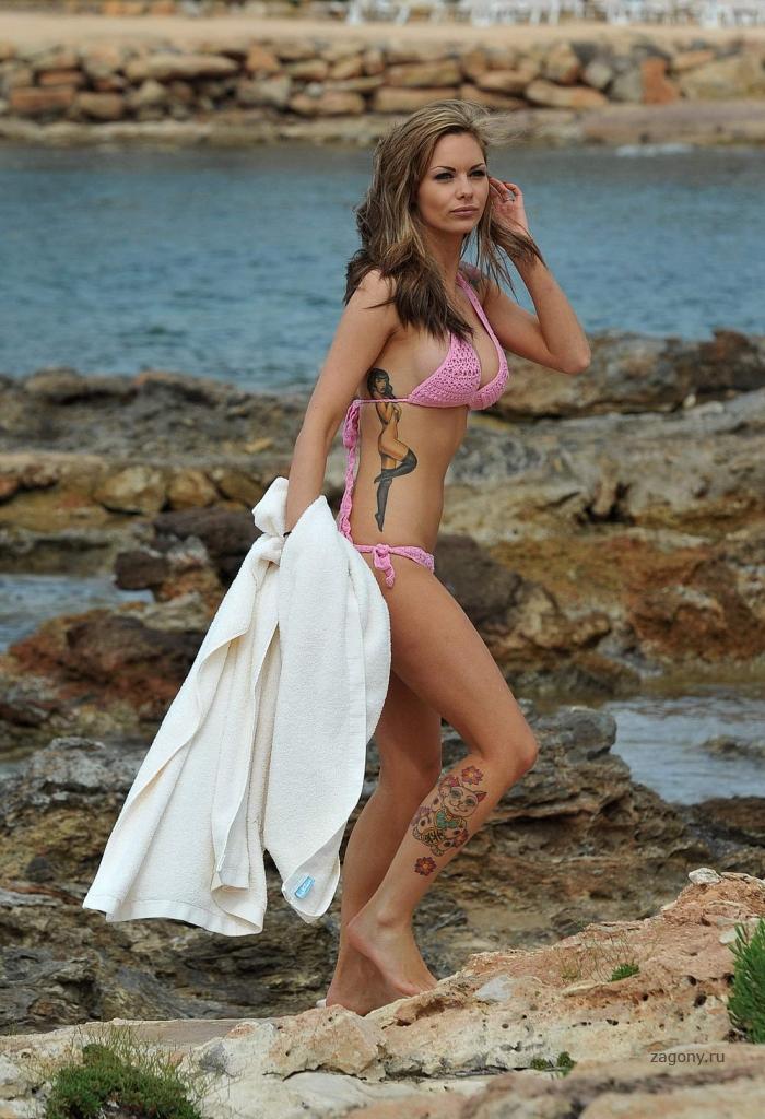Jessica-Jane Clement (15 фото)
