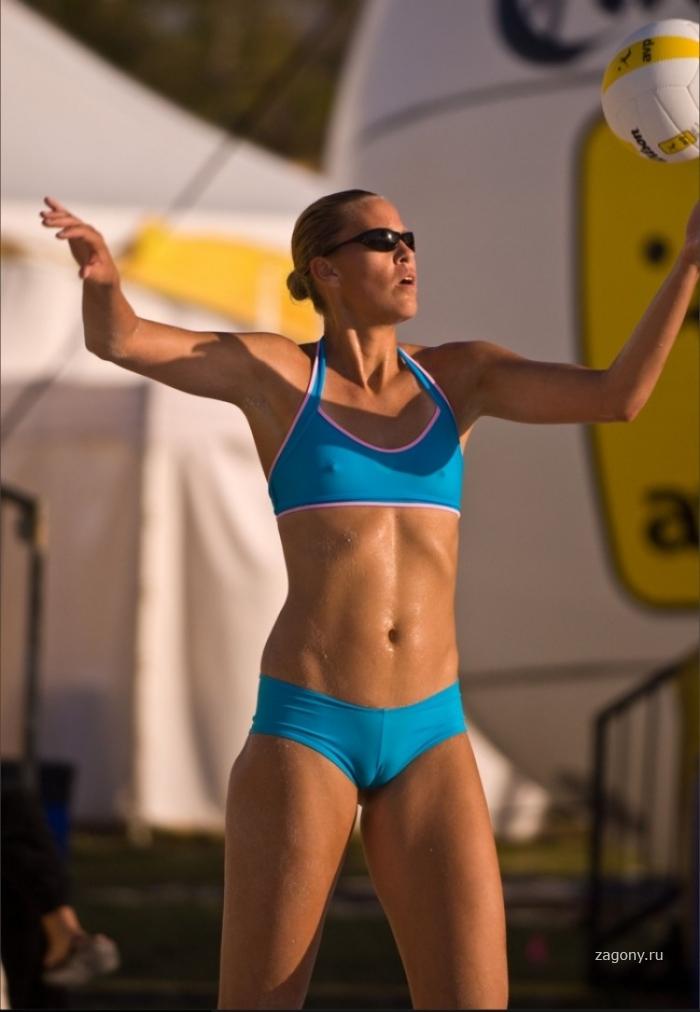 Страстный женский волейбол (15 фото)