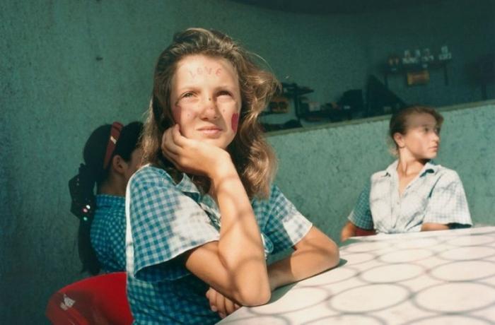 Неоднозначные фотографии постсоветского «Артека» (43 фото)