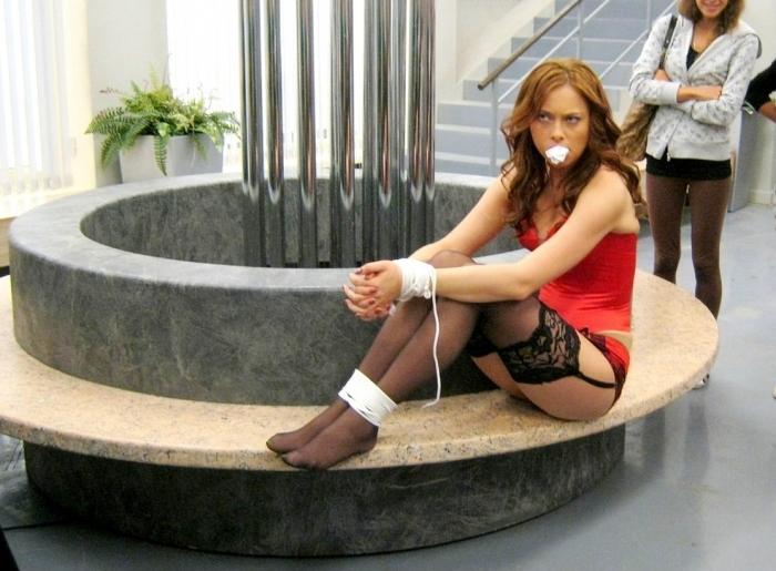 Настасья Самбурская (19 фото)