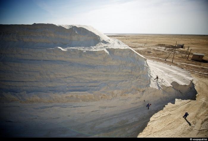 Добыча соли в Казахстане (32 фото)